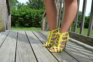 Melissa Mom with Style wearing Charlotte Russe neon yellow heels