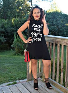 Melissa Mom with Style wearing a tee Bella V Mobile Boutique dress with a red and cheetah qprint handbag and some open toe black booties