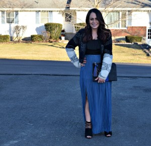 Melissa Mom with Style wearing a Forever 21 maxi blue skirt paired with an American Eagle bodysuit and a fur crop jacket