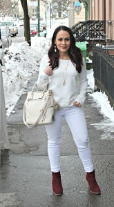 Melissa Mom with Style wearing a Thredup Zara cream sweatshirt with American Eagle white jeans and JustFab booties
