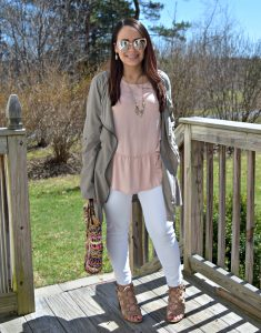 Melissa Mom with Style wearing a spring blush ruffle top by Who What Wear with Express white mid rise jeans and Target gladiator heels