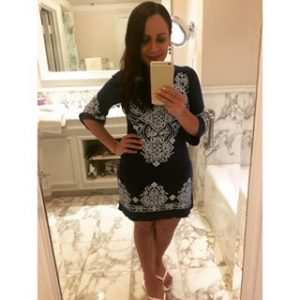 Melissa Mom with Style wearing a blue Bella V Mobile Boutique spring print dress