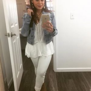 Melissa Mom with Style wearing an all white look with a Bella V Mobile Boutique denim jacket