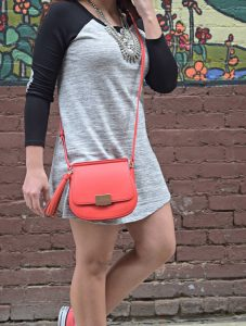 Melissa Mom with Style wearing a Forever 21 statement necklace and a JustFab coral crossbody bag