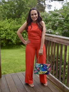 Melissa Mom with Style wearing a Forever 21 monochromatic look with palazzo pants