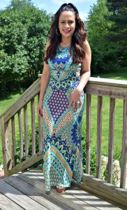 Melissa Mom with Style wearing a Bella V Mobile Boutique print maxi dress