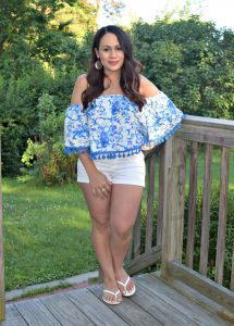 Melissa Mom with Style wearing a Forever 21 off the shoulder, tassel top