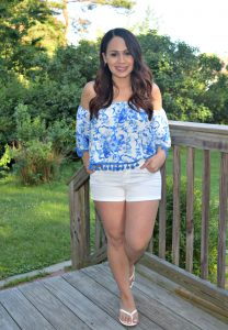 Melissa Mom with Style wearing red, white, blue for Weekend Wear theme Linkup