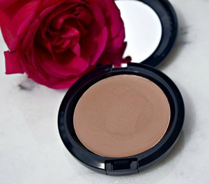 Melissa Mom with Style MAC Prep and Prime BB