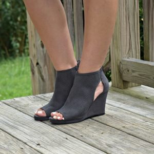 Melissa Mom with Style Stitch Fix grey booties