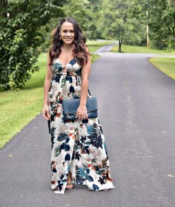 Melissa mom with Style wearing a low v maxi dress from Saratoga Sundress
