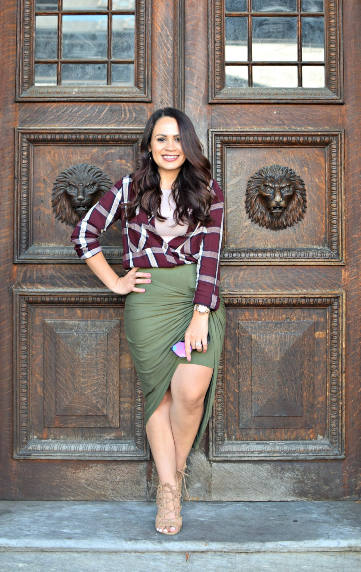 Melissa Mom with Style dressing up a plaid mauve top with olive and gold accessories