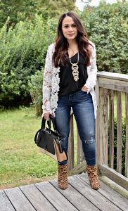 Melissa Mom with Style Bella V Mobile Boutique rocking her easy fall look with a white lace blazer
