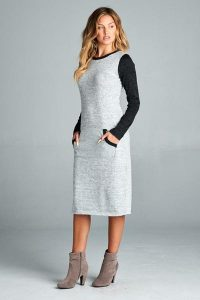 Melissa Mom with Style Thanksgiving Dresses: Bella V Boutique comfy sweater midi dress