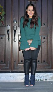 Melissa Mom with Style green and navy holiday look