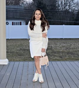 Melissa Mom with Style styling an all white outfit for her Christmas LookBook