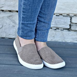 Melissa Mom with Style Causal Chic Mom Look Nordstrom slip on sneakers