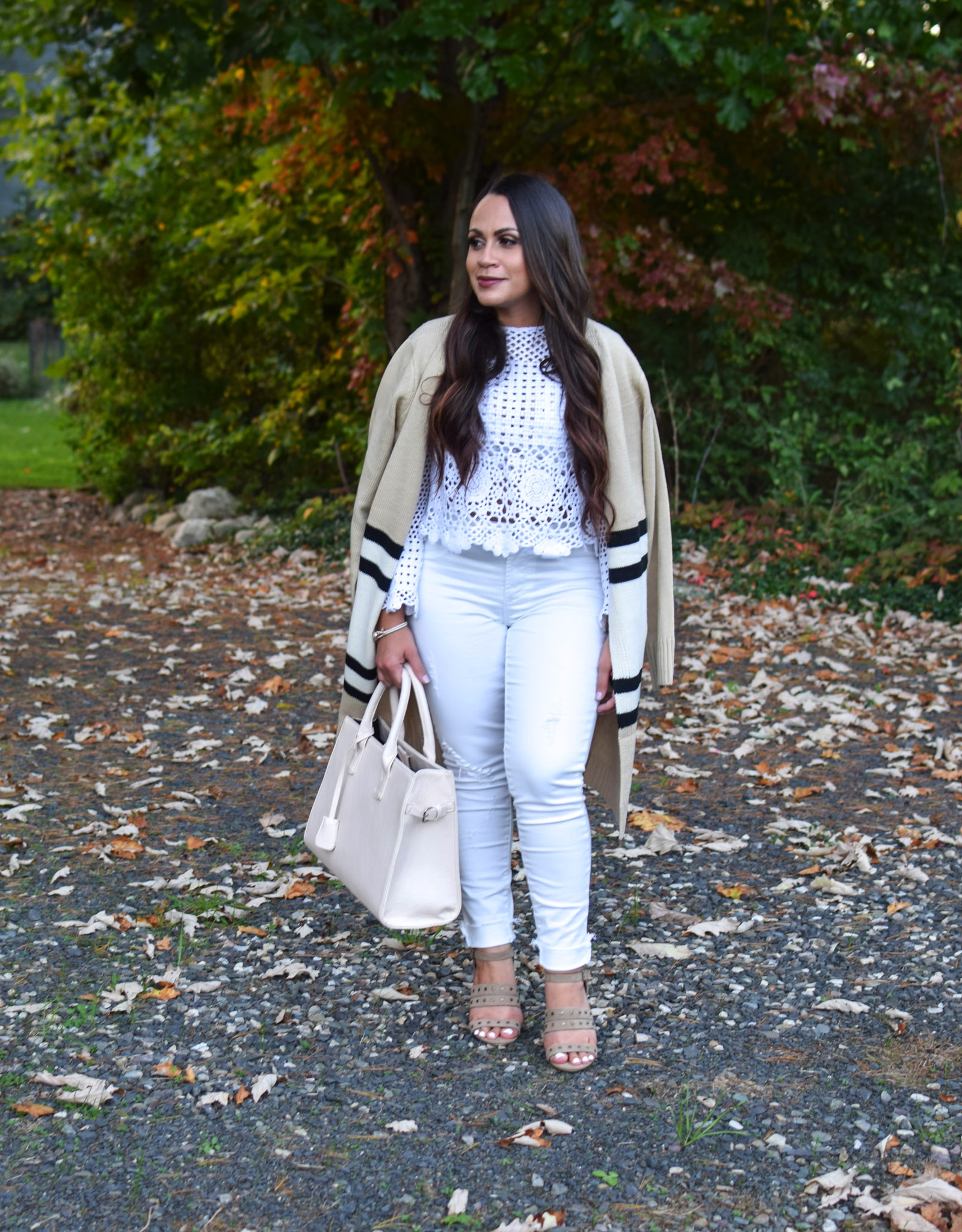f27462addd439a How to Wear White in Fall + WW Linkup - mom with style