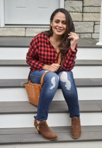 Melissa Mom with Style Fall Weekend Getaway Look