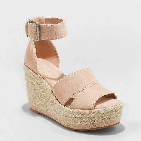 Melissa Mom with Style Must Have Summer Wardrobe Essentials