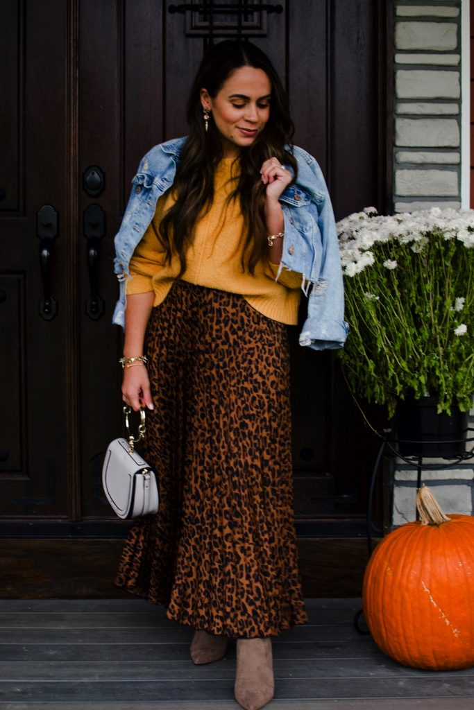Melissa Mom with Style Thanksgiving Leopard Outfit Ideas