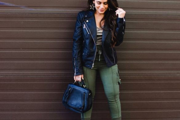 Melissa Mom with Style Styling Cargo Pants for Spring