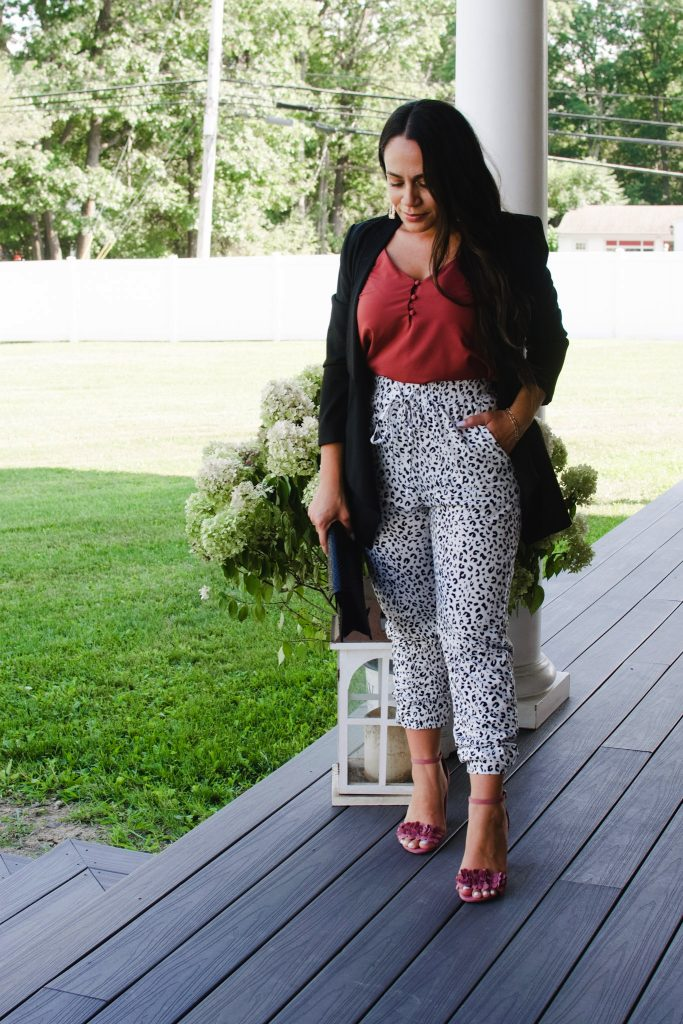 Melissa Mom with Style Transitional Fall Jogger Outfit