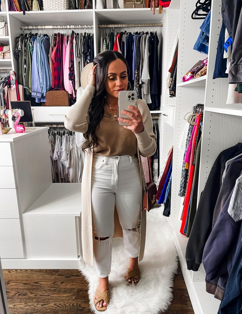 Melissa Mom with Style How to Style Mom Jeans with Cami and Cardigan